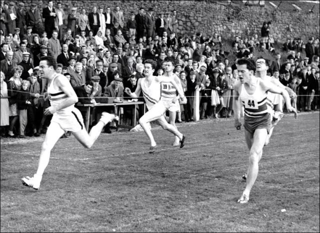 Mike Bathgate far left, and Robin MacKenzie on the right; Musselburgh 1961